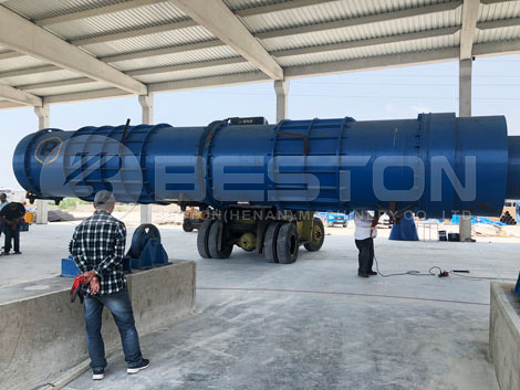 Equipo de biocarbón en Turquía