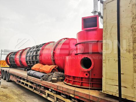 Cliente ruso comprar máquina de carbón de aserrín