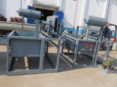A manutenção da máquina de fazer bandejas de ovos de papel na estação quente