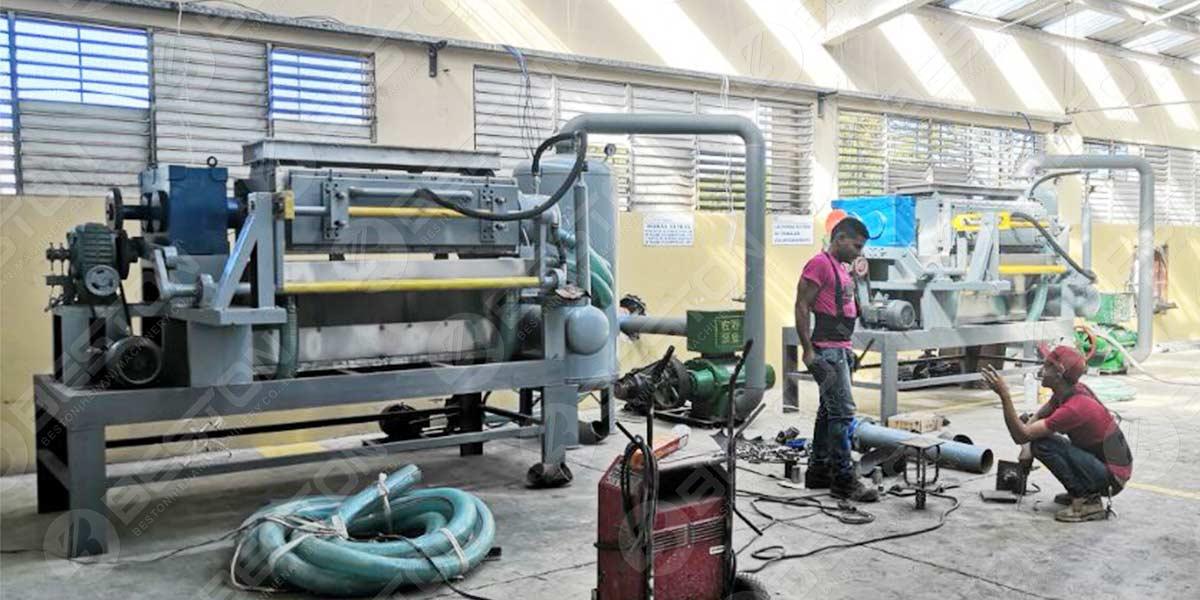 آلة صينية البيض BTF4-4 مثبتة في دومينيكا